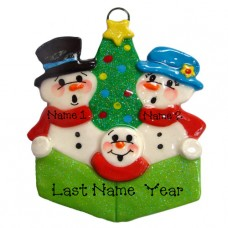 Carolers Family of 3 Ornament